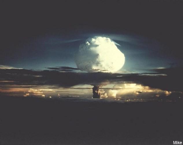 Ảnh màu hiếm về các vụ thử hạt nhân chấn động của Mỹ giữa thế kỷ 20 - Ảnh 10.