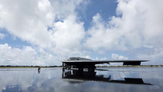 Sau B-2, Mỹ triển khai máy bay ném bom nào trấn Trung Quốc? - Ảnh 2.