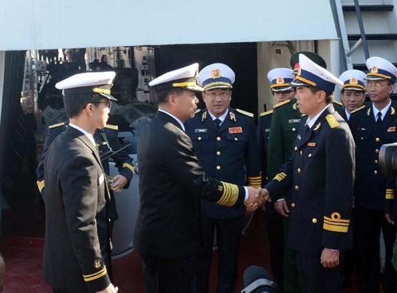 Những ngày sôi động tại Jeju: Tư lệnh hải quân Hàn Quốc thăm tàu hộ vệ tên lửa Gepard VN - ảnh 1