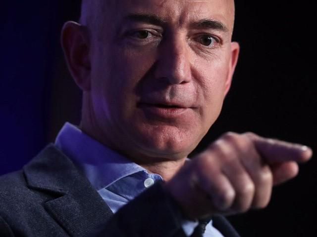 Theo người giàu nhất thế giới Jeff Bezos, chỉ cần hỏi 1 câu này để biết bạn có thông minh không  - Ảnh 2.