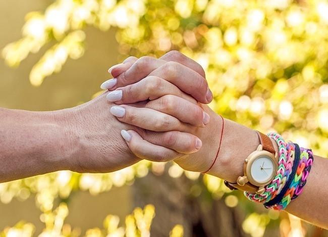 Bạn thường nắm tay người thương như thế nào? Nó tiết lộ khá nhiều điều đấy - Ảnh 3.