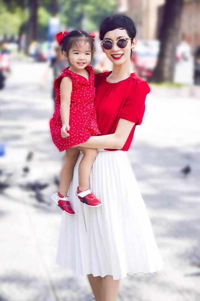 Không hổ danh có mẹ là siêu mẫu, con gái Xuân Lan chưa đầy 5 tuổi đã khí chất ngời ngời - Ảnh 4.