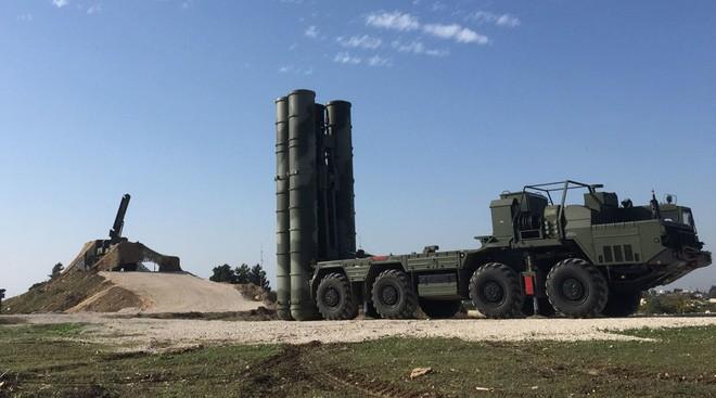 Siêu tên lửa S-700 khóa chặt cả Trái Đất: Trò khoe mẽ quá lố của nghị sĩ Nga! - Ảnh 1.