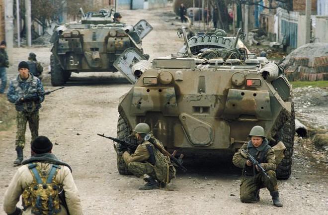 QK Ngoại Kavkaz Nga đã chết và tướng lĩnh bán sạch các kho vũ khí như thế nào?  - Ảnh 4.
