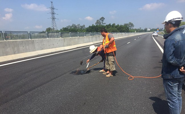 Thanh tra đột xuất dự án đường cao tốc Đà Nẵng - Quảng Ngãi - Ảnh 1.