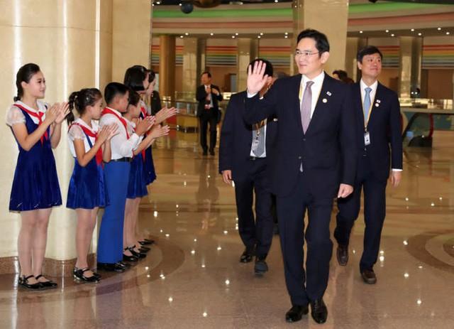 Lãnh đạo Samsung Securities: Triều Tiên có thể thay thế Việt Nam trở thành trung tâm sản xuất màn hình và điện thoại thông minh - Ảnh 1.