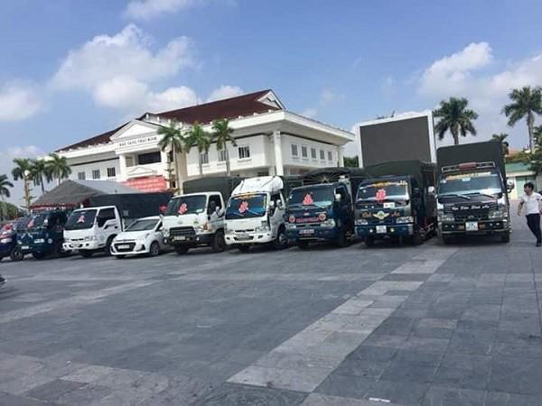 Chú rể Thái Bình đón dâu bằng siêu xe trong đó có cả xe chở lợn mà cả họ nhà gái cười lăn lộn - Ảnh 4.