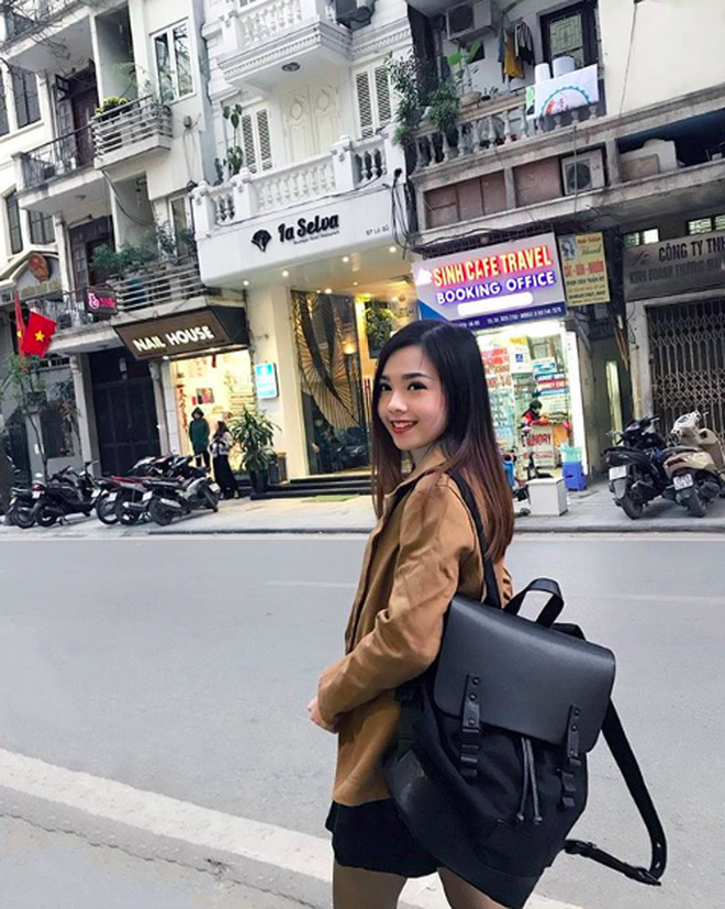 Nữ tiếp viên hàng không Malaysia gây sốt trên MXH chỉ sau tấm ảnh chụp trộm của hành khách - Ảnh 8.