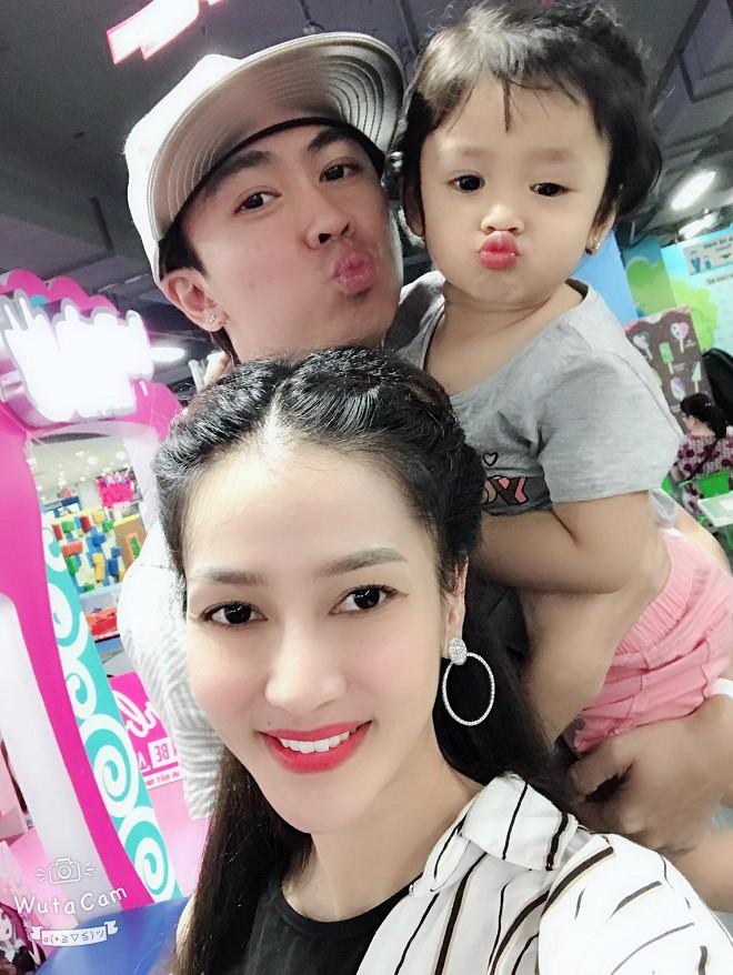 Ca sĩ Hồ Việt Trung công khai danh tính mẹ ruột của con gái sau nhiều năm giấu kín - Ảnh 1.