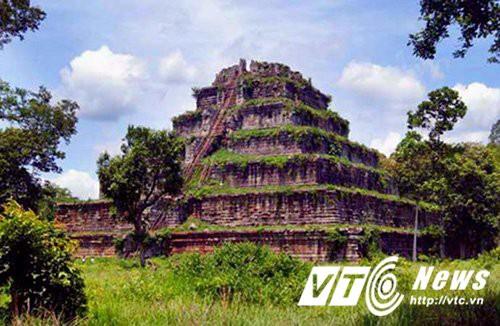 Câu chuyện kỳ lạ về kim tự tháp duy nhất ở Đông Dương - Ảnh 2.