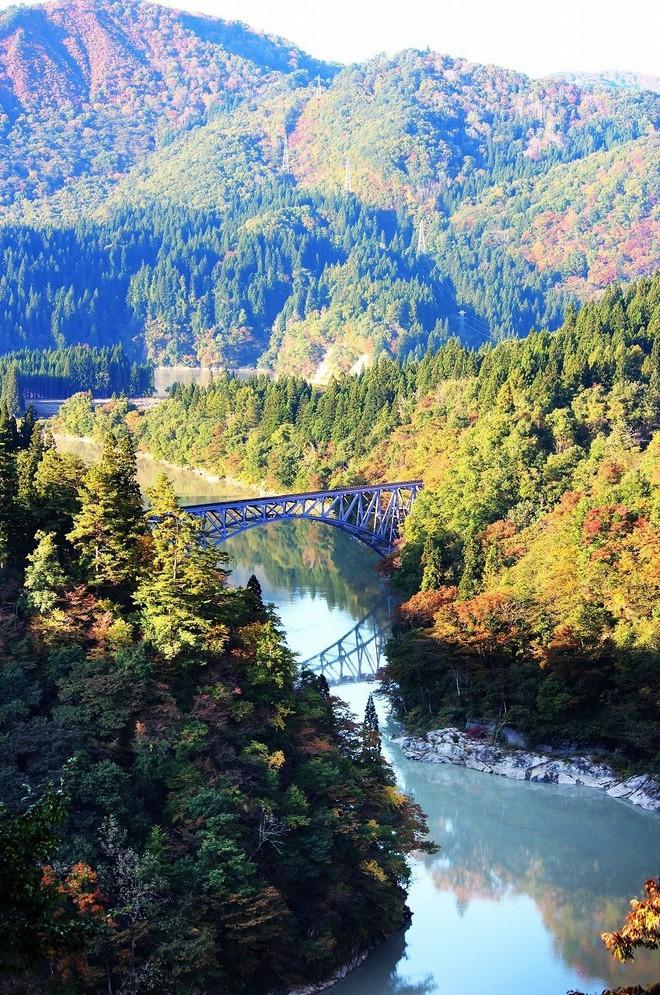Tadami Line: Chuyến tàu hỏa nhỏ xinh nhất Nhật Bản, đi qua 4 mùa là 4 khung trời khác nhau - Ảnh 10.