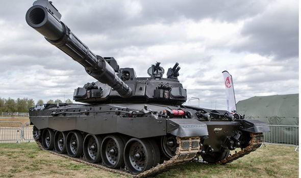 Anh chuẩn bị tung Đêm đen đối đầu siêu tăng Nga - ảnh 1