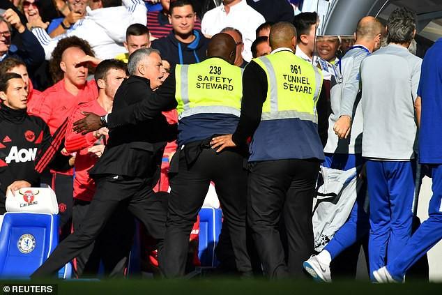 Và quá khứ đã đuổi kịp Mourinho - Ảnh 1.