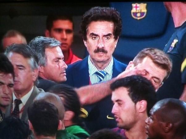 Và quá khứ đã đuổi kịp Mourinho - Ảnh 2.