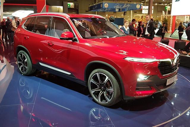 Miễn thuế nhập khẩu ô tô châu Âu: Giá xe giảm sốc, VinFast cũng hưởng lợi? - Ảnh 2.