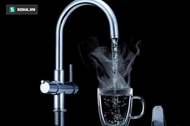 Lúc nào uống nước lạnh, lúc nào uống nước ấm: Biết để uống cho đúng, không hại sức khoẻ - Ảnh 2.