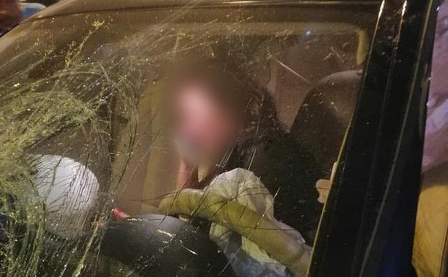 Hai nạn nhân bị nữ tài xế xe BMW tông trúng tại Hàng Xanh nguy kịch, hôn mê sâu - Ảnh 8.