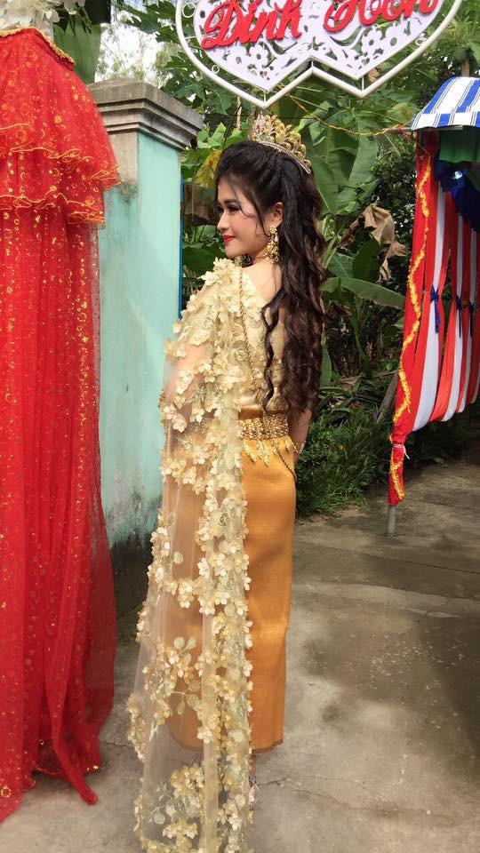 Cô dâu xinh đẹp nhận được không ít lời khen ngợi khi hình ảnh đăng tải lên mạng xã hội.