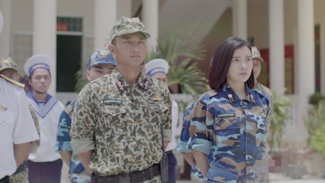 Hậu duệ mặt trời bản Việt lại gây tranh cãi vì để lộ nhiều chi tiết không đồng bộ - ảnh 6