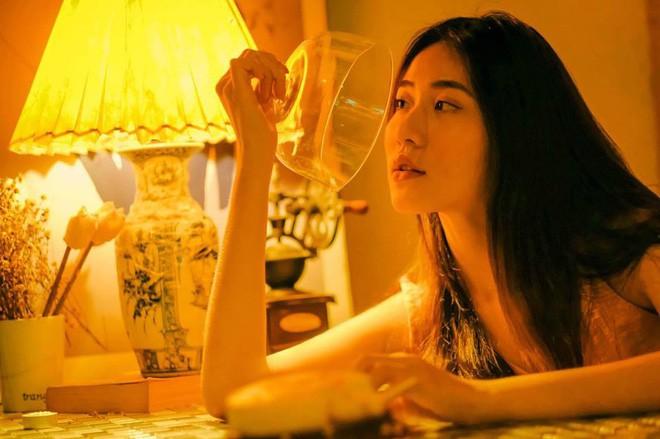 Bộ ảnh tuổi 19 của Thuỳ Linh: Xinh đẹp và dịu dàng đúng kiểu uống nhầm ánh mắt, cơn say theo cả đời - Ảnh 13.