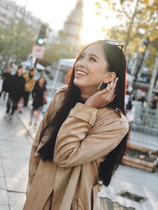 Hoa hậu Trần Tiểu Vy thay đổi chóng mặt sau 2 tuần đăng quang - Ảnh 9.
