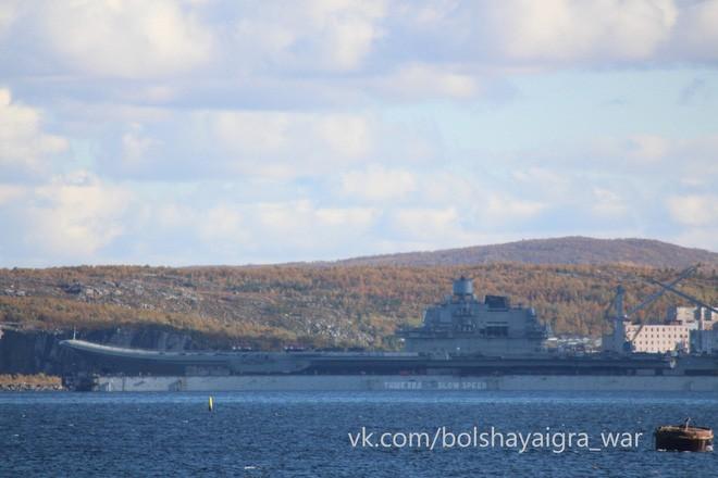 Tàu sân bay Kuznetsov duy nhất của Nga tiếp tục gặp thảm họa, may không chìm - Ảnh 1.