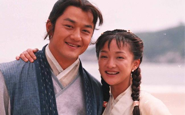 """Tiên đồng ngọc nữ trong truyện Kim Dung: Đẹp đôi đến độ ai cũng mong """"phim giả tình thật"""", có cặp nên duyên vợ chồng - ảnh 10"""