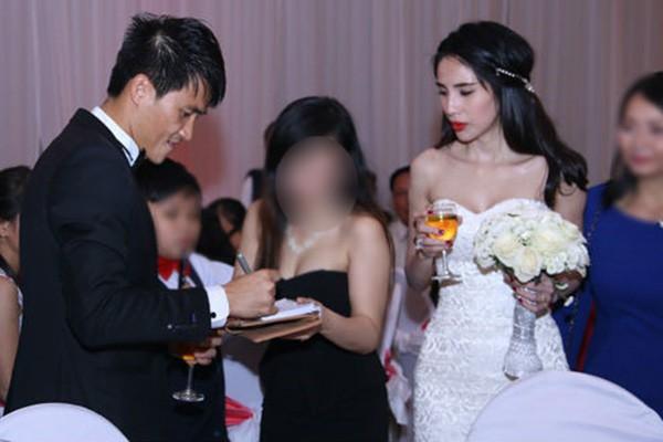 Đám cưới Công Vinh, Thủy Tiên: Khách lạ vô tư xin chữ ký, lấy trộm đồ trang trí - Ảnh 7.