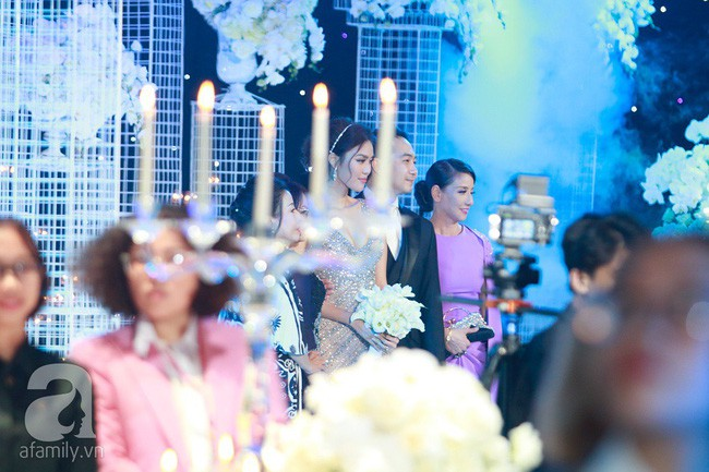 Mẹ ruột Lan Khuê gây ngỡ ngàng với nhan sắc và vóc dáng đẹp như Hoa hậu - Ảnh 2.