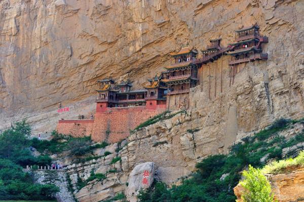 Khám phá ngôi chùa treo huyền bí ngàn năm tuổi ở Trung Quốc - Ảnh 3.