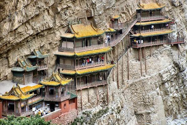 Khám phá ngôi chùa treo huyền bí ngàn năm tuổi ở Trung Quốc - Ảnh 4.