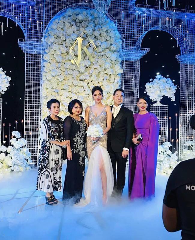 Mẹ ruột Lan Khuê gây ngỡ ngàng với nhan sắc và vóc dáng đẹp như Hoa hậu - Ảnh 4.