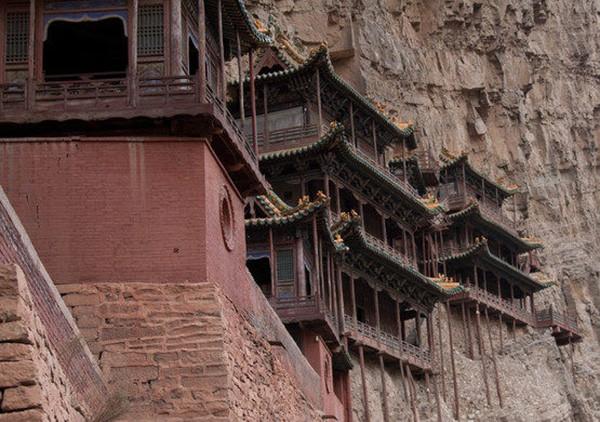 Khám phá ngôi chùa treo huyền bí ngàn năm tuổi ở Trung Quốc - Ảnh 5.