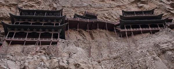 Khám phá ngôi chùa treo huyền bí ngàn năm tuổi ở Trung Quốc - Ảnh 6.