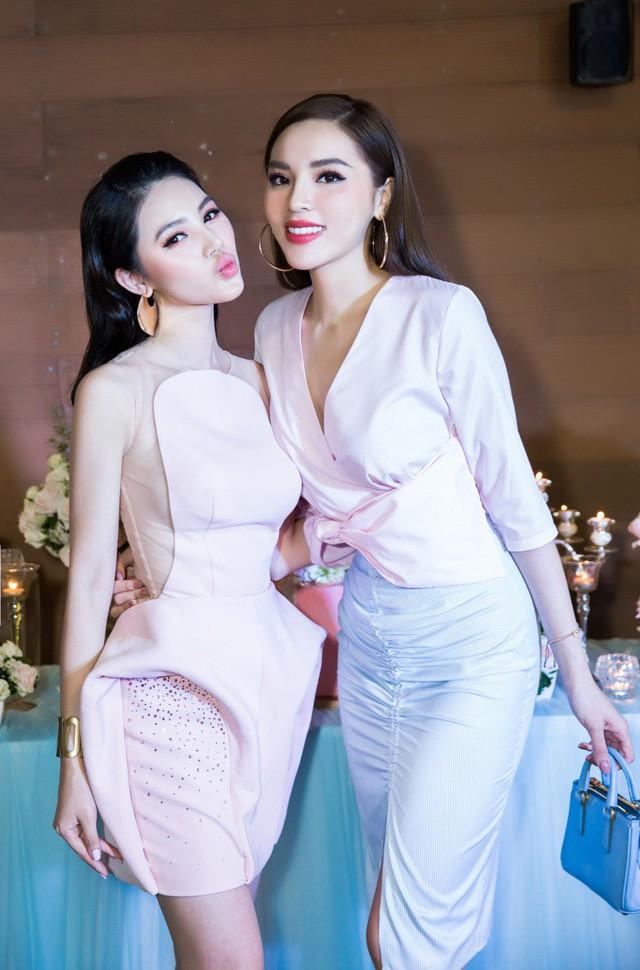 Hoa hậu Kỳ Duyên và Jolie Nguyễn thân thiết thế nào trước khi tuyên bố cạch mặt? - Ảnh 6.