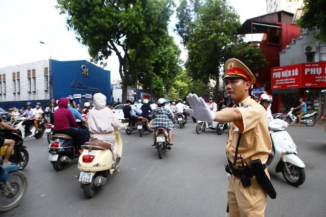 Các tuyến đường bị cấm ở Hà Nội 2 ngày Quốc tang cố Tổng Bí thư Đỗ Mười - Ảnh 1.
