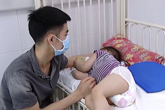 Virus tay chân miệng từng khiến hơn 100 trẻ tử vong nguy hiểm thế nào? - Ảnh 1.