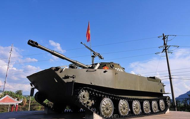 Chiến sĩ công binh thành danh Anh hùng LLVTND trên chiếc xe tăng lịch sử 555 - Ảnh 5.
