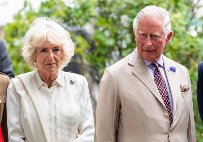 """Sau cuộc khẩu chiến nảy lửa với em dâu, bà Camilla ra tay """"trả thù"""" trong đám cưới hoàng gia sắp tới bằng hành động không ai dám làm - Ảnh 2."""
