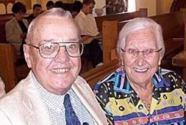 Cặp vợ chồng chung sống hạnh phúc với nhau 75 năm, thời điểm họ nhắm mắt xuôi tay càng chứng minh định mệnh là có thật - Ảnh 8.