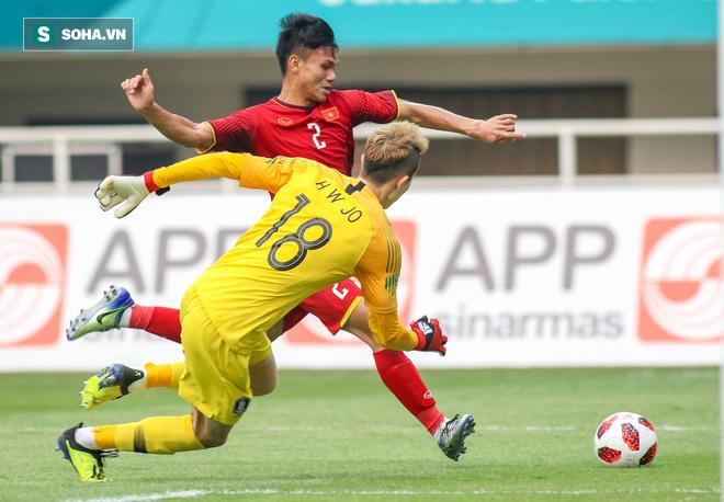 HLV Park Hang-seo có nguy cơ mất trò cưng vì chấn thương tai hại trong trận đấu khó hiểu - Ảnh 1.