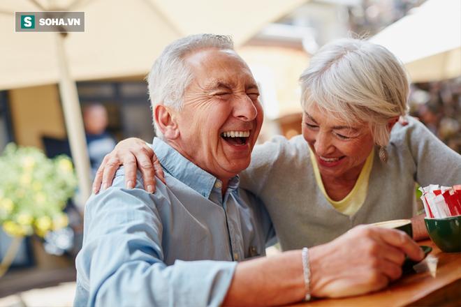 Tại sao phụ nữ thường sống lâu hơn nam giới: Câu trả lời đã được hé mở - Ảnh 1.