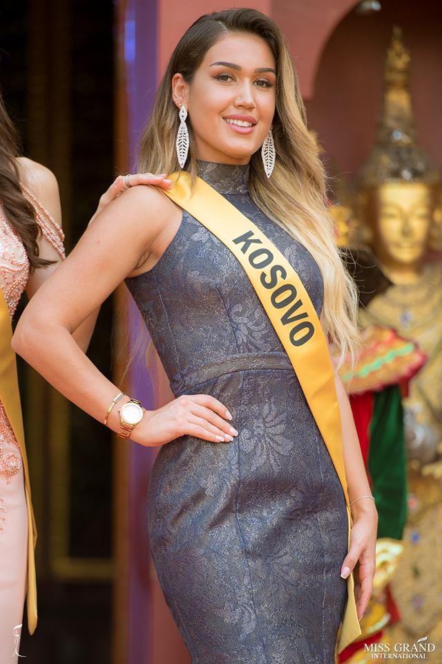 Nhan sắc xấu khó tin của các đối thủ Á hậu Việt Nam tại Hoa hậu Hòa bình Thế giới 2018 - Ảnh 9.