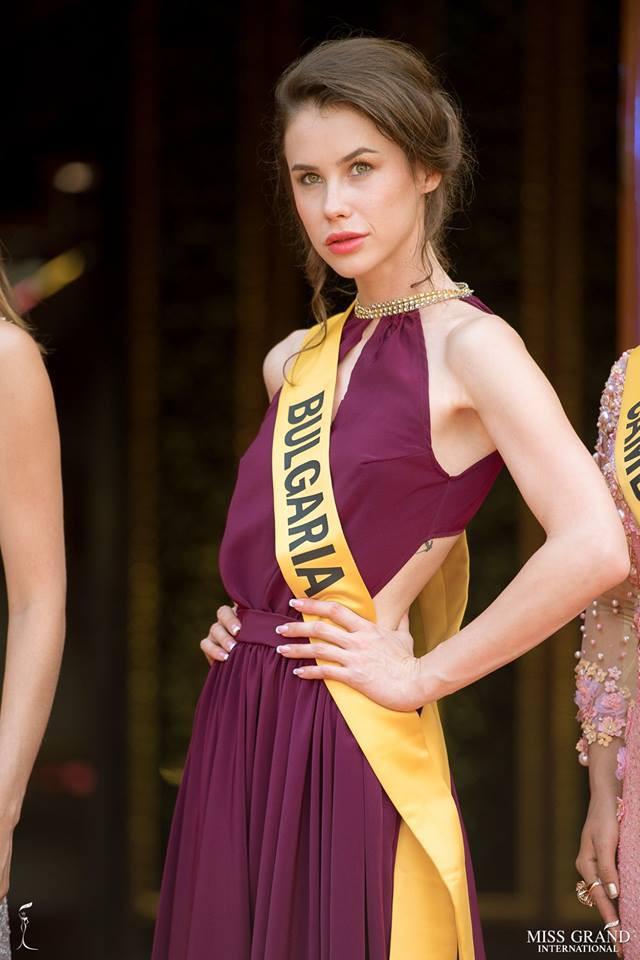 Nhan sắc xấu khó tin của các đối thủ Á hậu Việt Nam tại Hoa hậu Hòa bình Thế giới 2018 - Ảnh 11.