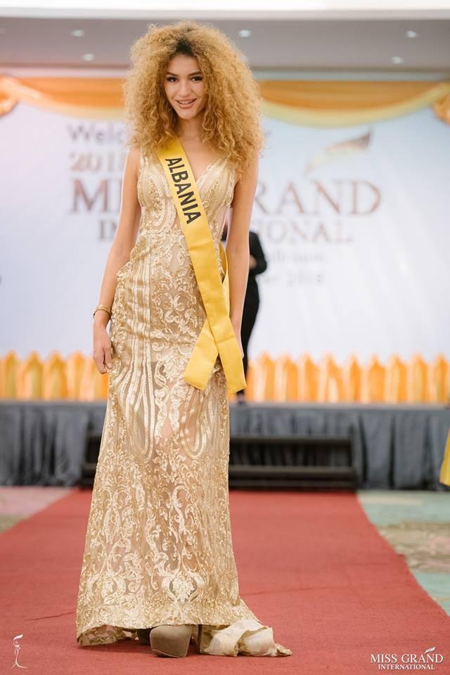 Nhan sắc xấu khó tin của các đối thủ Á hậu Việt Nam tại Hoa hậu Hòa bình Thế giới 2018 - Ảnh 13.
