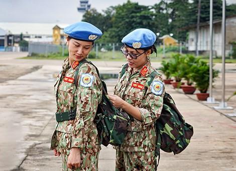"""Những nữ chiến sĩ """"mũ nồi xanh"""" Việt Nam: Thanh xuân muôn dặm vươn xa… - ảnh 1"""