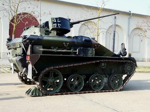 Những phương tiện chiến đấu đổ bộ đường không danh tiếng trên thế giới - Ảnh 10.