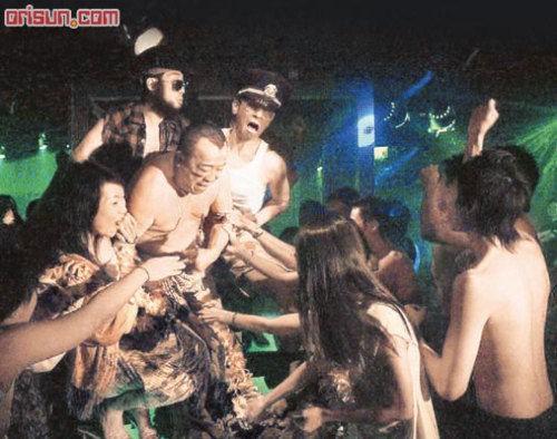 Tình trường phóng túng của ông trùm bị tố cưỡng hiếp ngọc nữ Hong Kong - Ảnh 9.