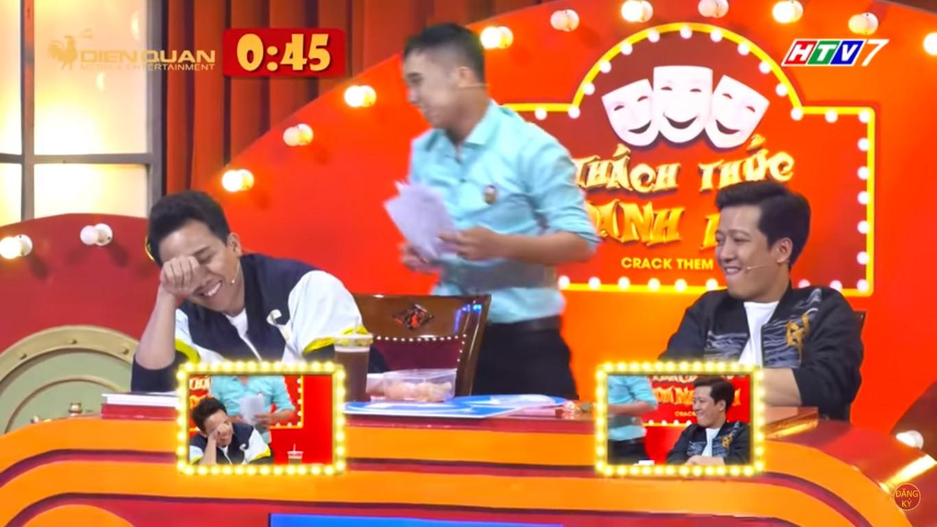 Trường Giang cáu giận khi bị lôi chuyện tặng nhà, xe cộ cho Nhã Phương lên truyền hình