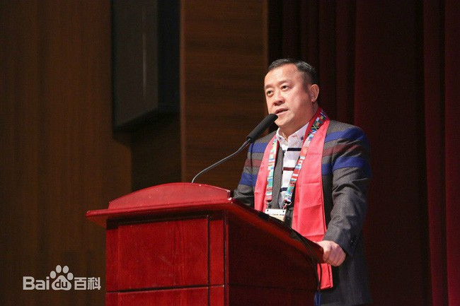 Tăng Chí Vỹ: Ông trùm điện ảnh Hong Kong hay tên yêu râu xanh được chống lưng bằng quyền lực xã hội đen? - Ảnh 2.